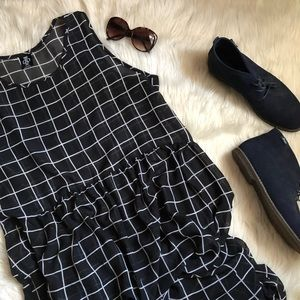 🎀FINAL PRICE DROP 🎀Windowpane maxi dress